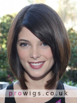 Ashley Greene With A Short Bob Cut With Blunt Ends Hairstyles