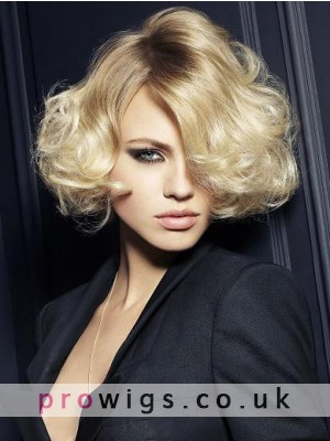 Top Quality Sexy Soft Short Wavy Wig