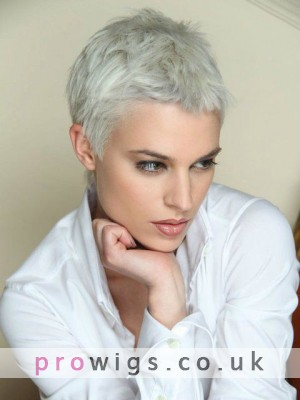 Straight Synthetic Chic Short Wig