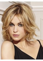 Short Wavy Blonde wig with Flying Ends
